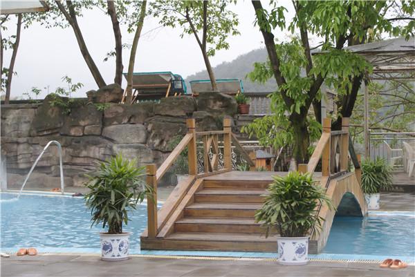 大足龙水湖温泉