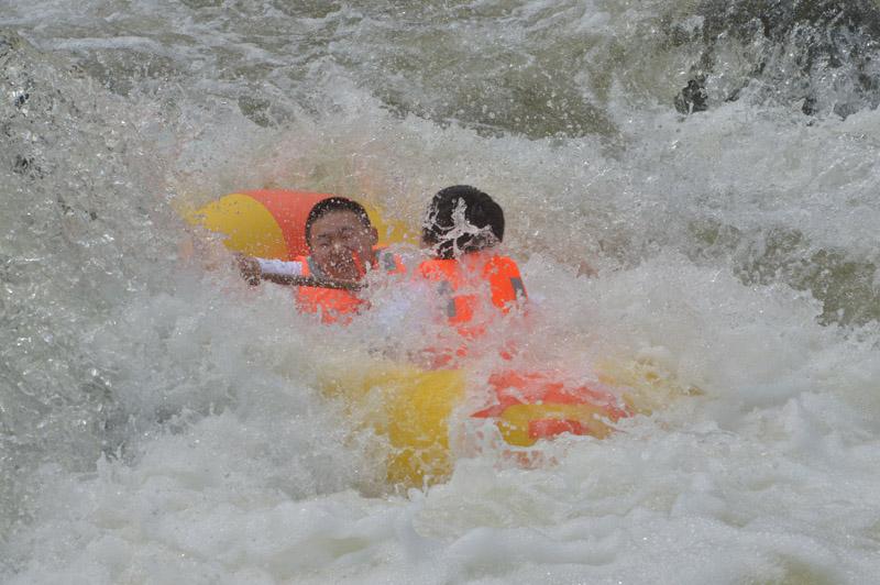 白龙峡漂流
